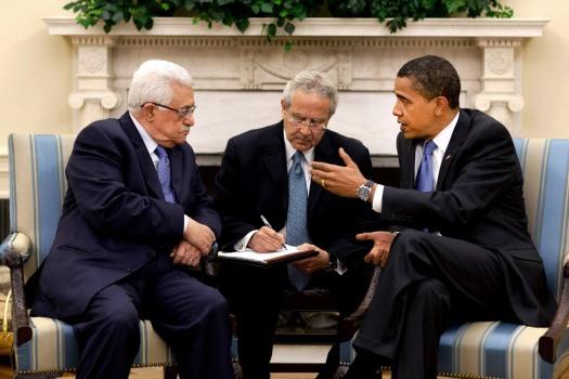 Barak Obama sa svojim prevodiocem usleg diplomatskog razgovora