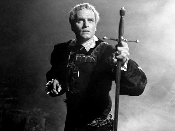 Laurence Olivier u ulozi Hamleta